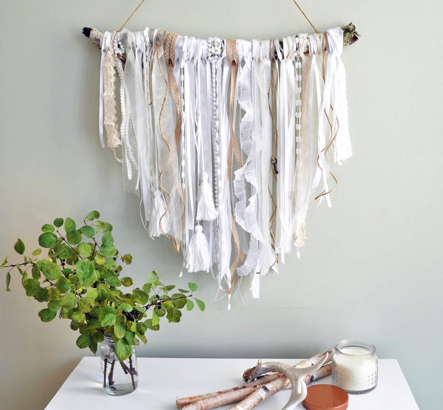 DIY Shabby Chic ribbon wall hanging