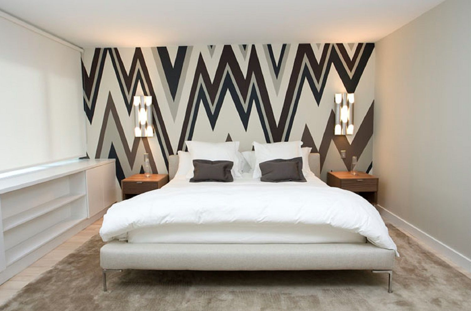 Zigzag pattern on a bedroom wall