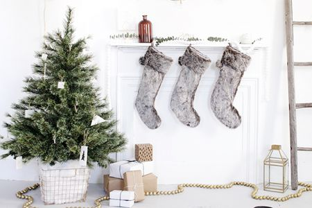 alternative christmas tree decorating ideas
