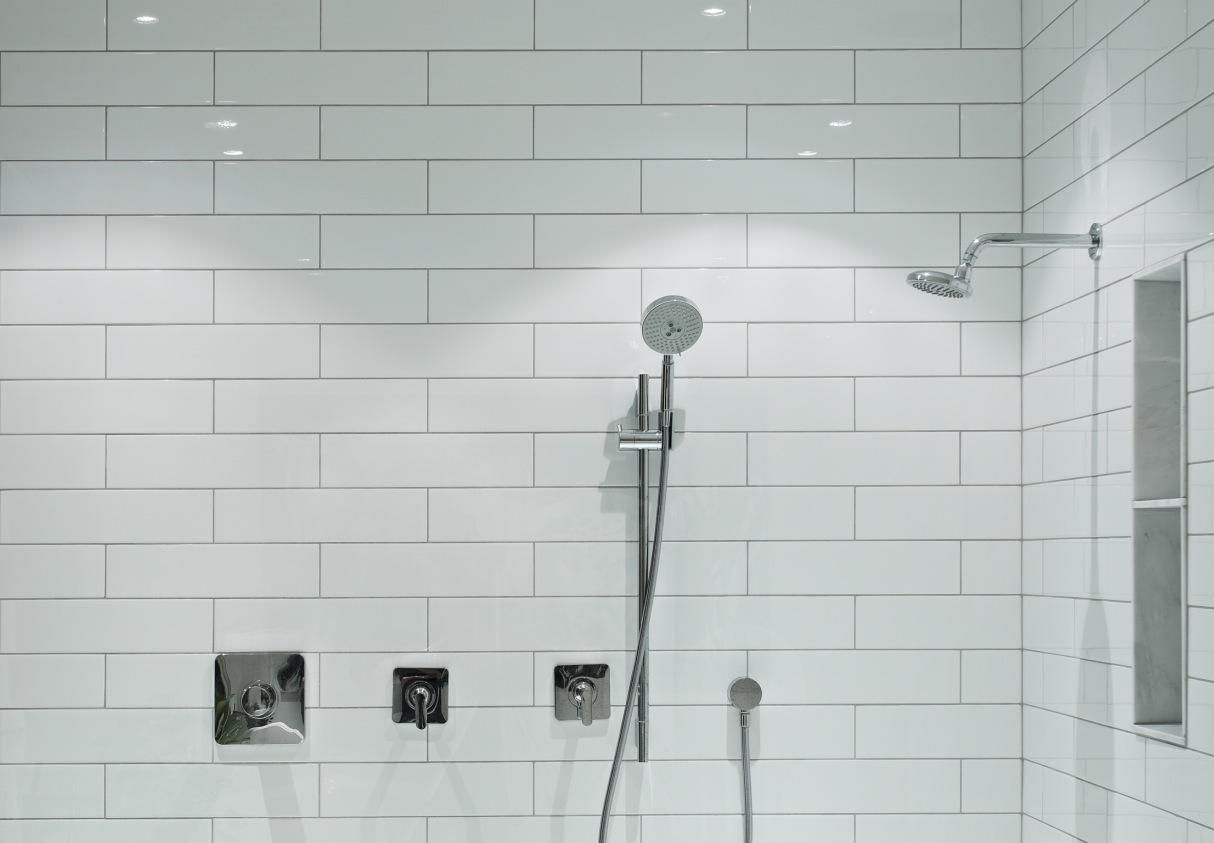 Choosing Between A Prefabricated Stall Or Tiled Shower - Fake tile panels for bathroom walls
