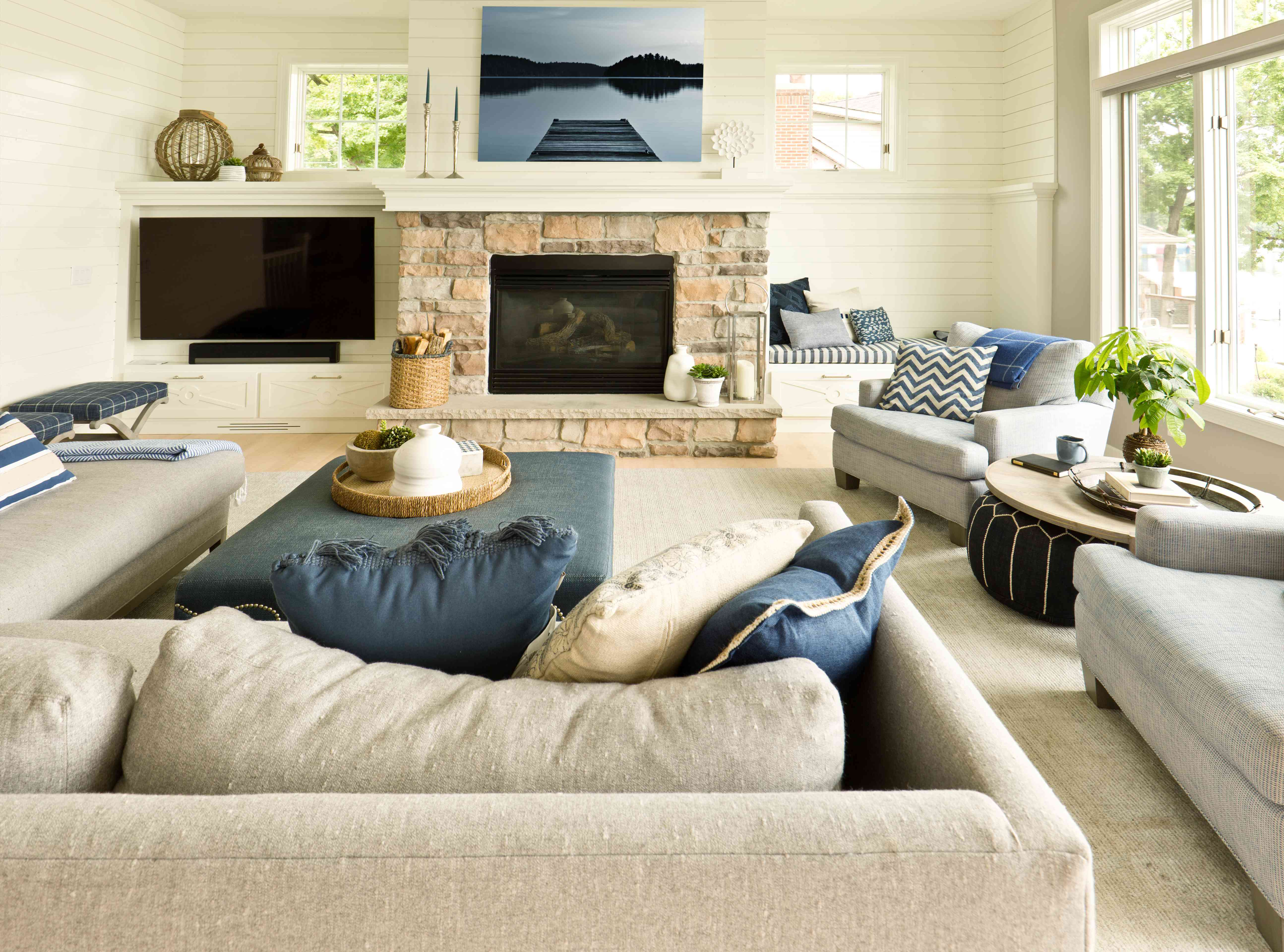 Modern Living Room Home Interior Design with fireplace and Television