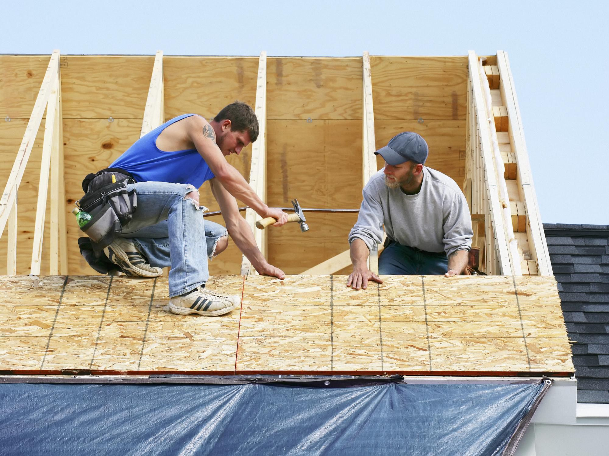 Steps to follow when you begin looking for roofing companies in your area