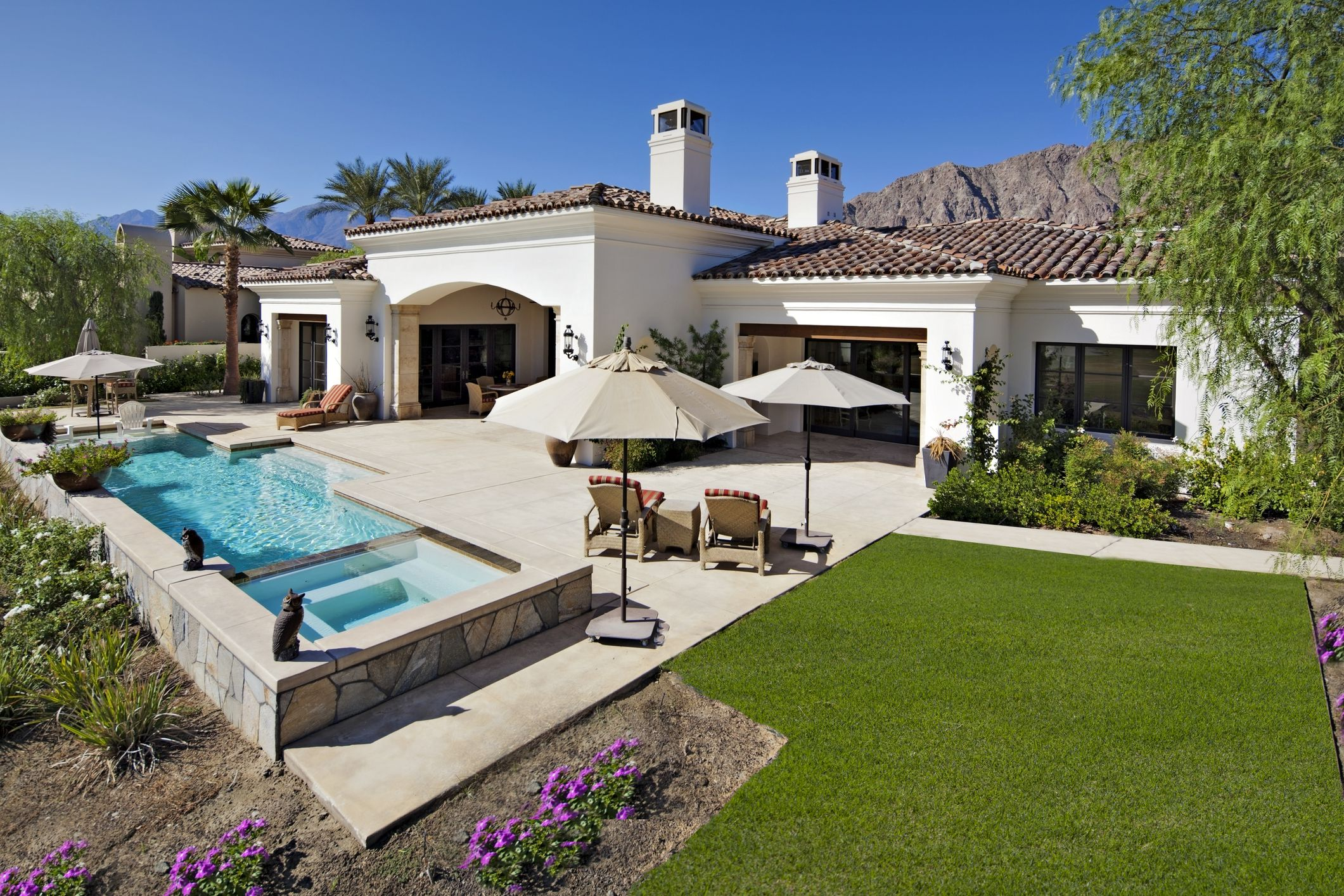 How To Plan A Grid Layout For An Outdoor Tile Patio
