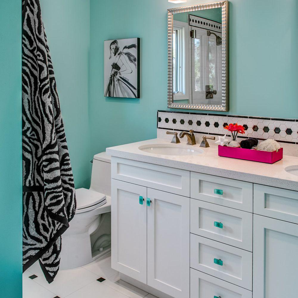 teen girls zebra bathroom