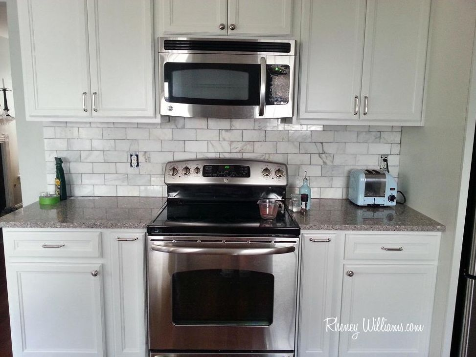 Very best Kitchen Tile Backsplash Tricks For Dealing With Appliances, Outlets RG64