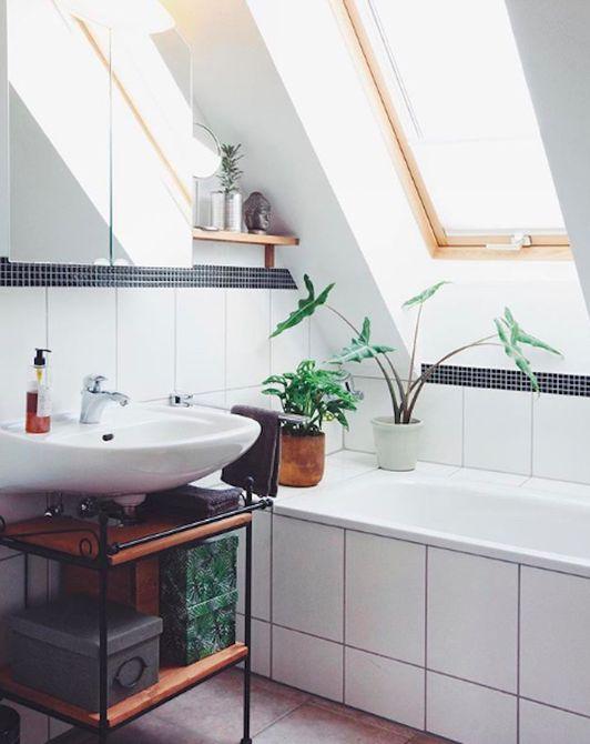 15 Beautiful Small Bathroom Designs on Small Bathroom Ideas With Tub id=29983