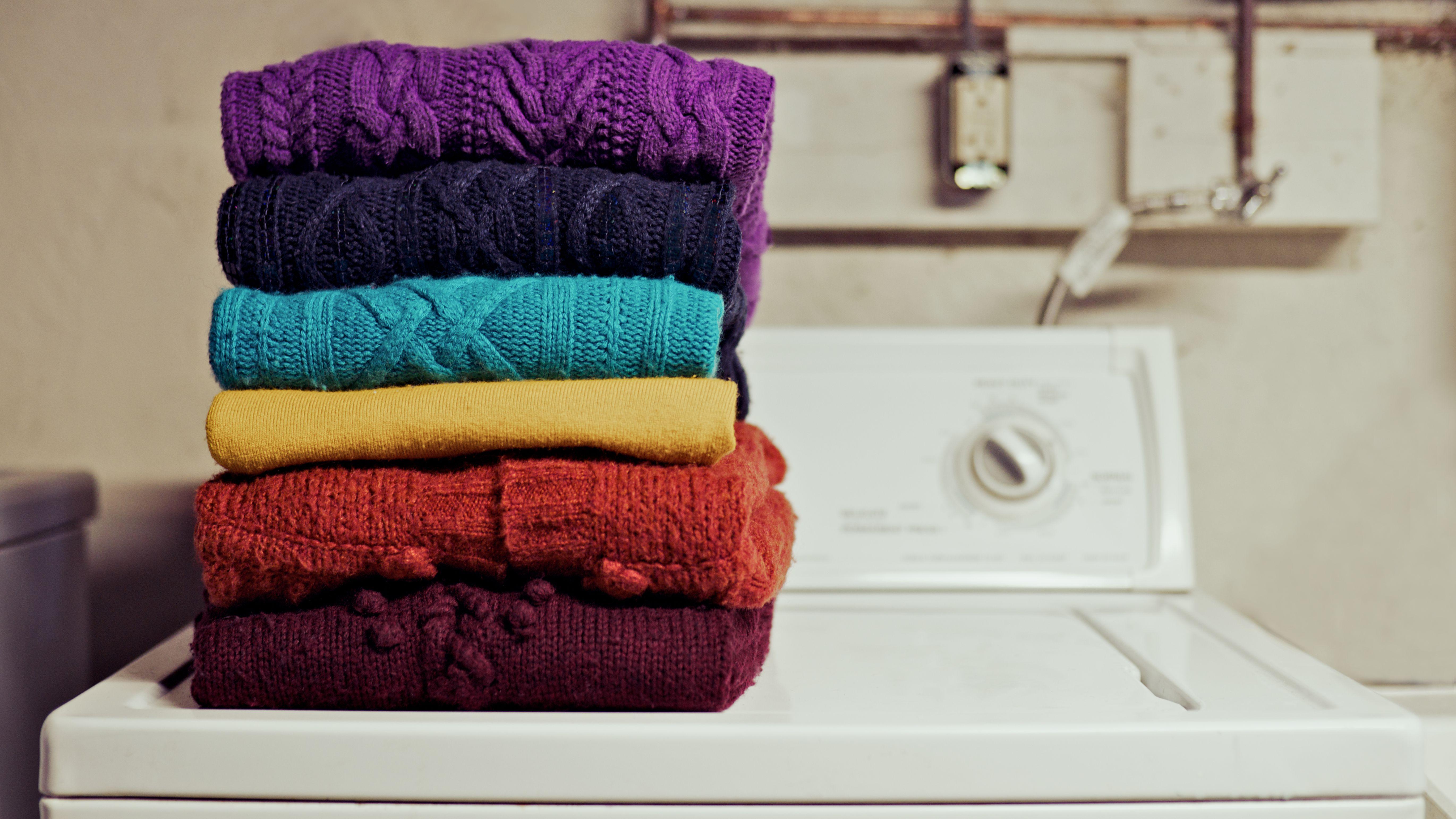 How To Unshrink A Shrunken Sweater
