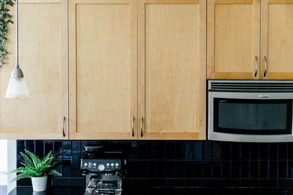 handles on cabinets