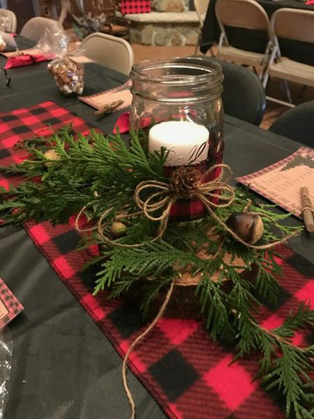 Fabulous 22 Pretty Christmas Table Decorations And Settings Download Free Architecture Designs Aeocymadebymaigaardcom