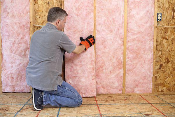 Installing Batt Insulation in Walls