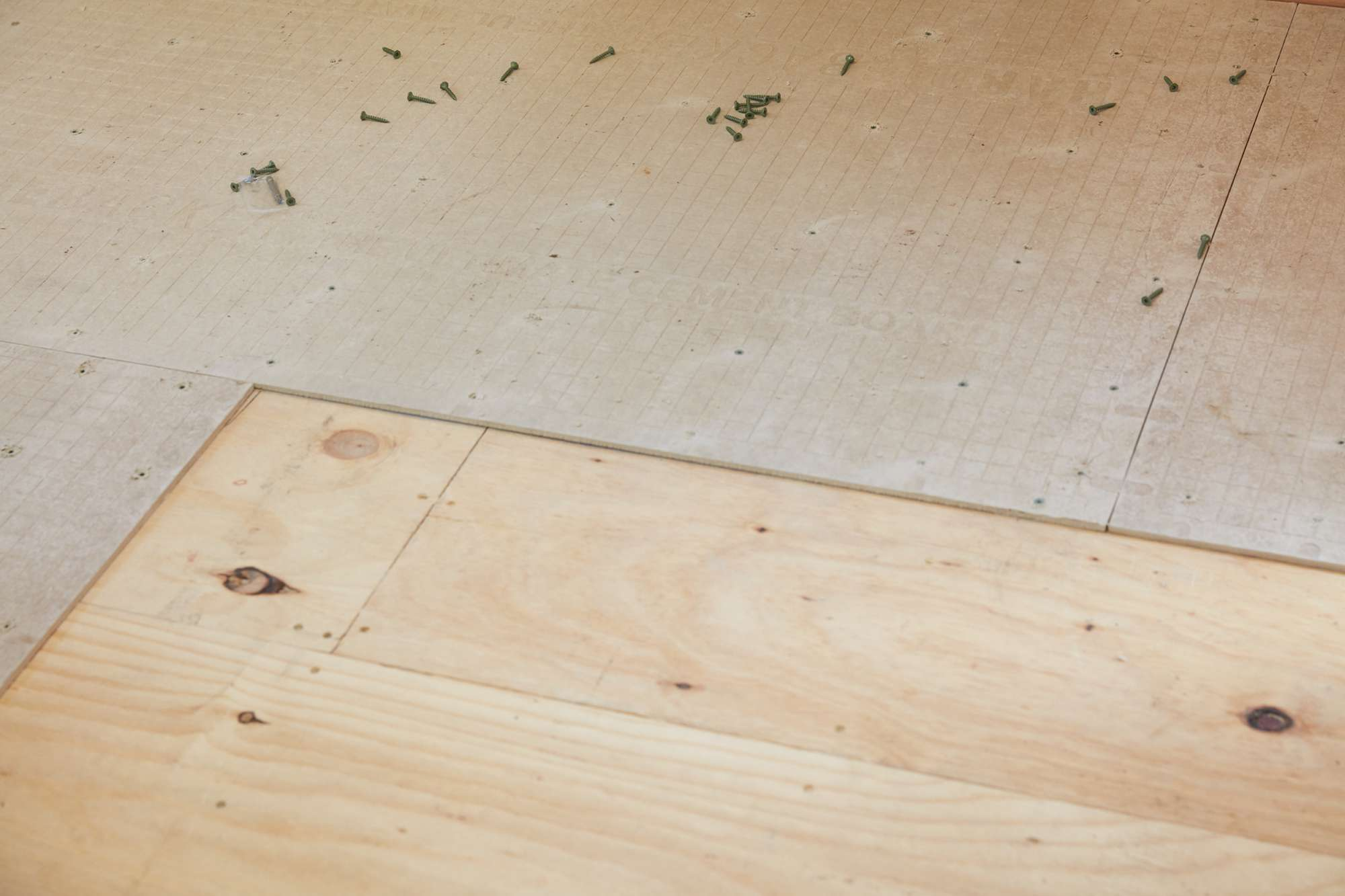 Underlayment of plywood