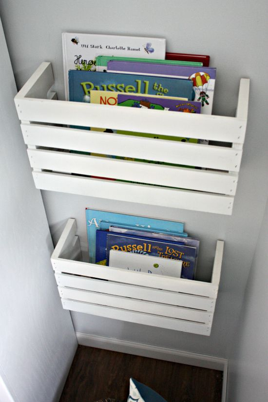 How to make book storage on a wall with wooden crates