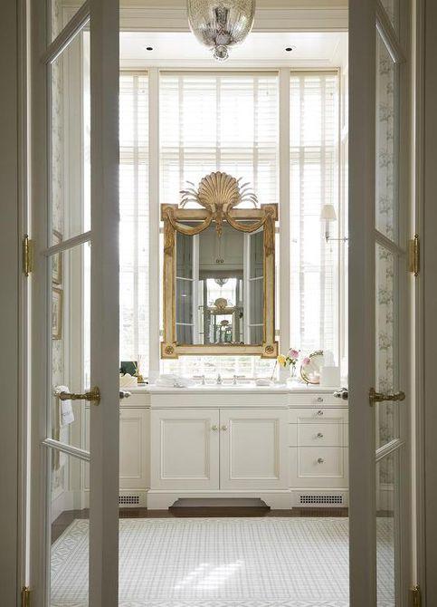 baño principal elegante francés