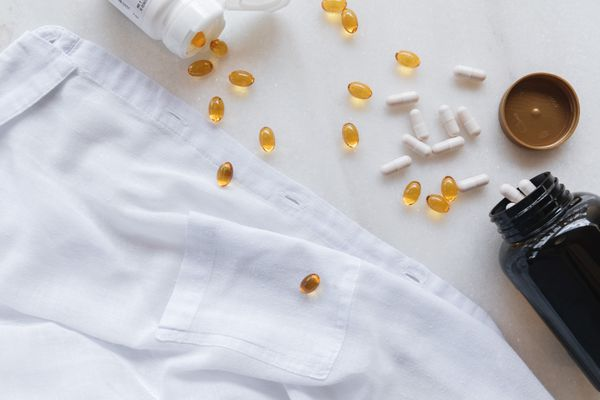 gel cap vitamins spilling out