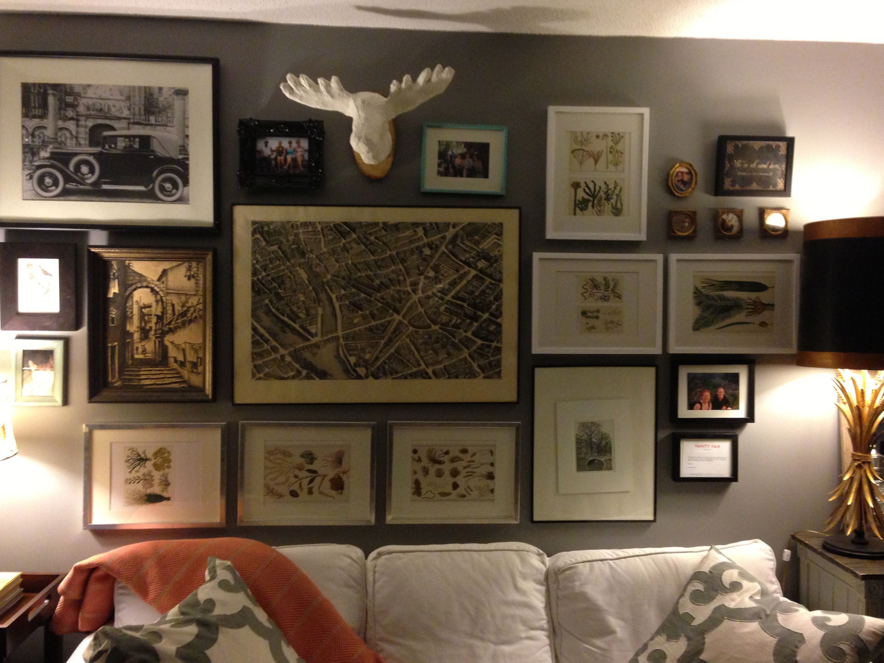 wall art decor for living room.htm how to use artwork to enhance your living room  artwork to enhance your living room