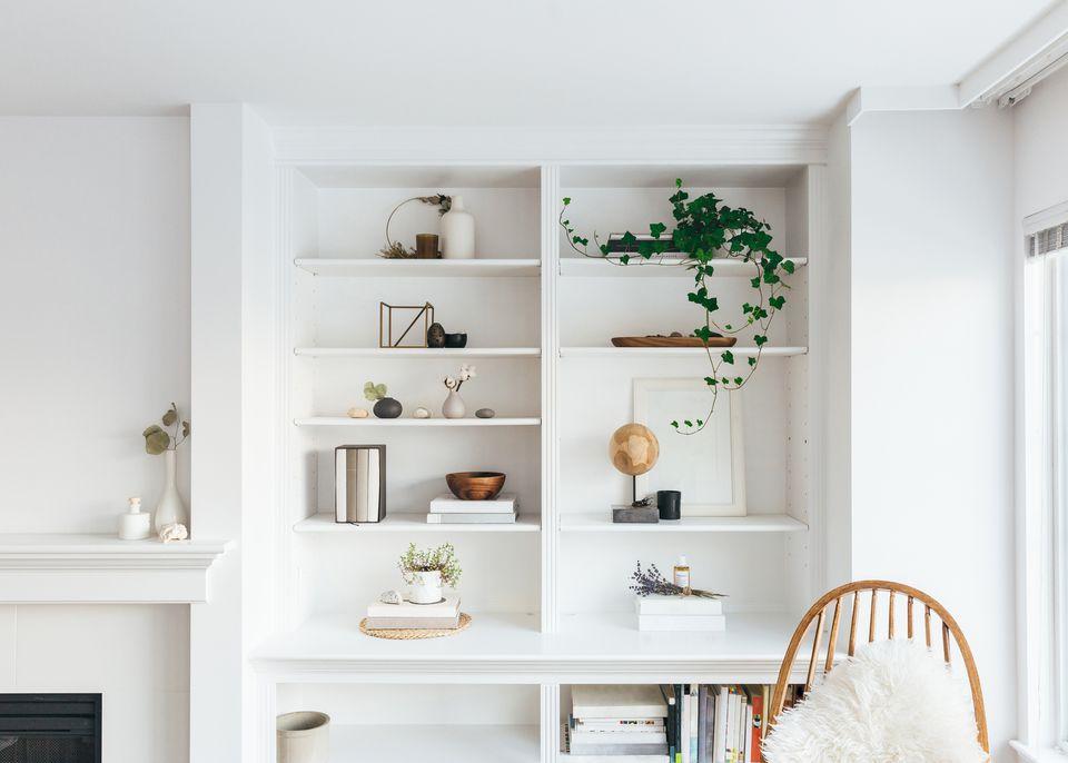 estantería minimalista