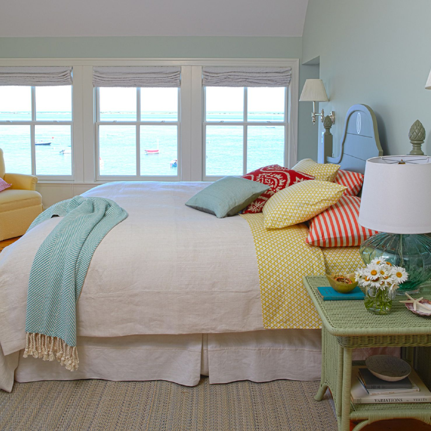 complementary color scheme in interior design trends