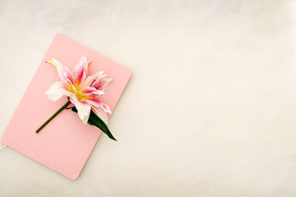 30th wedding anniversary flower - lily