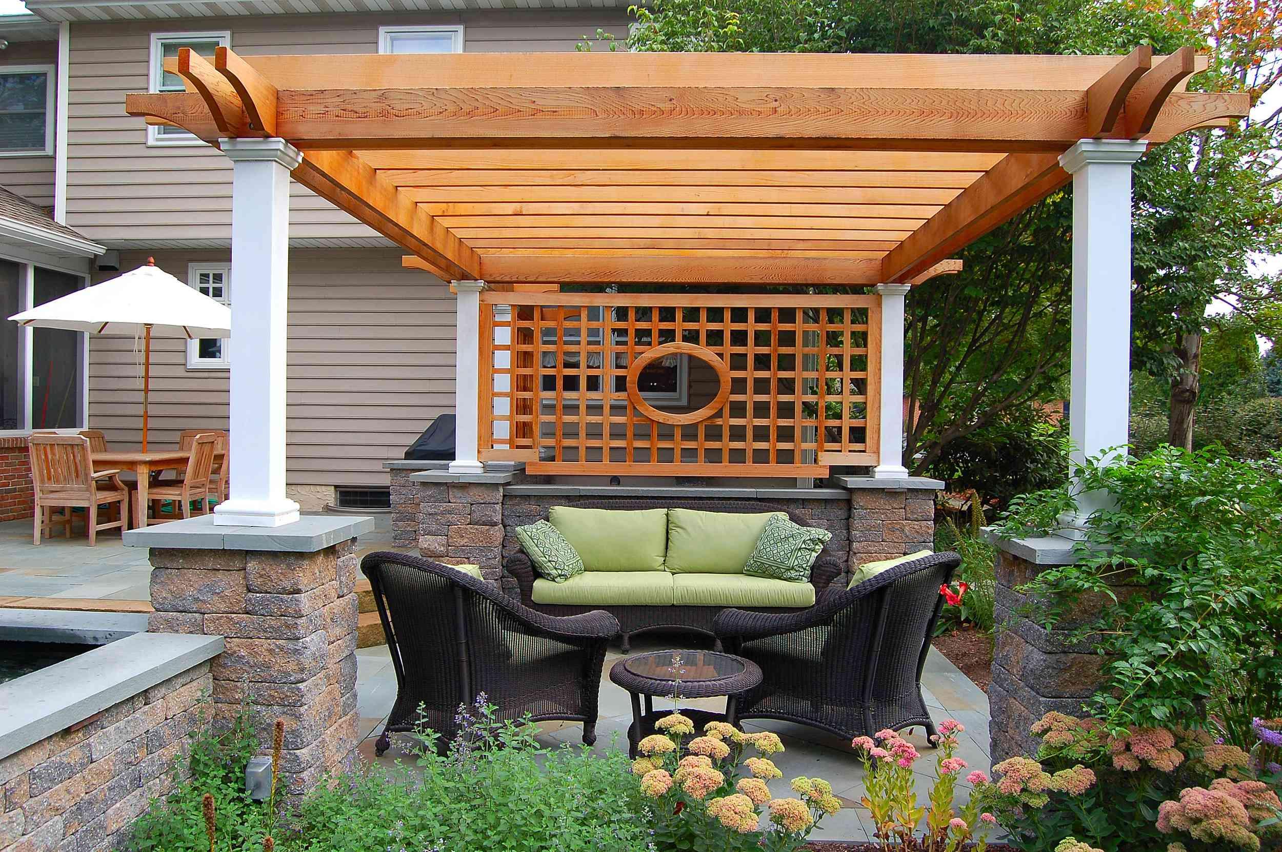 diseño de patio pequeño fernhill con cenador