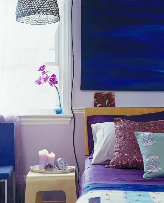 Habitación púrpura y azul