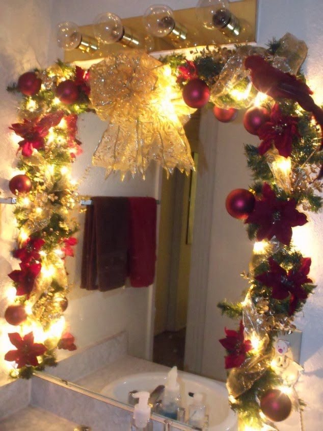 cheerful christmas themed bathroom decor ideas - Christmas Bathroom Decor Ideas