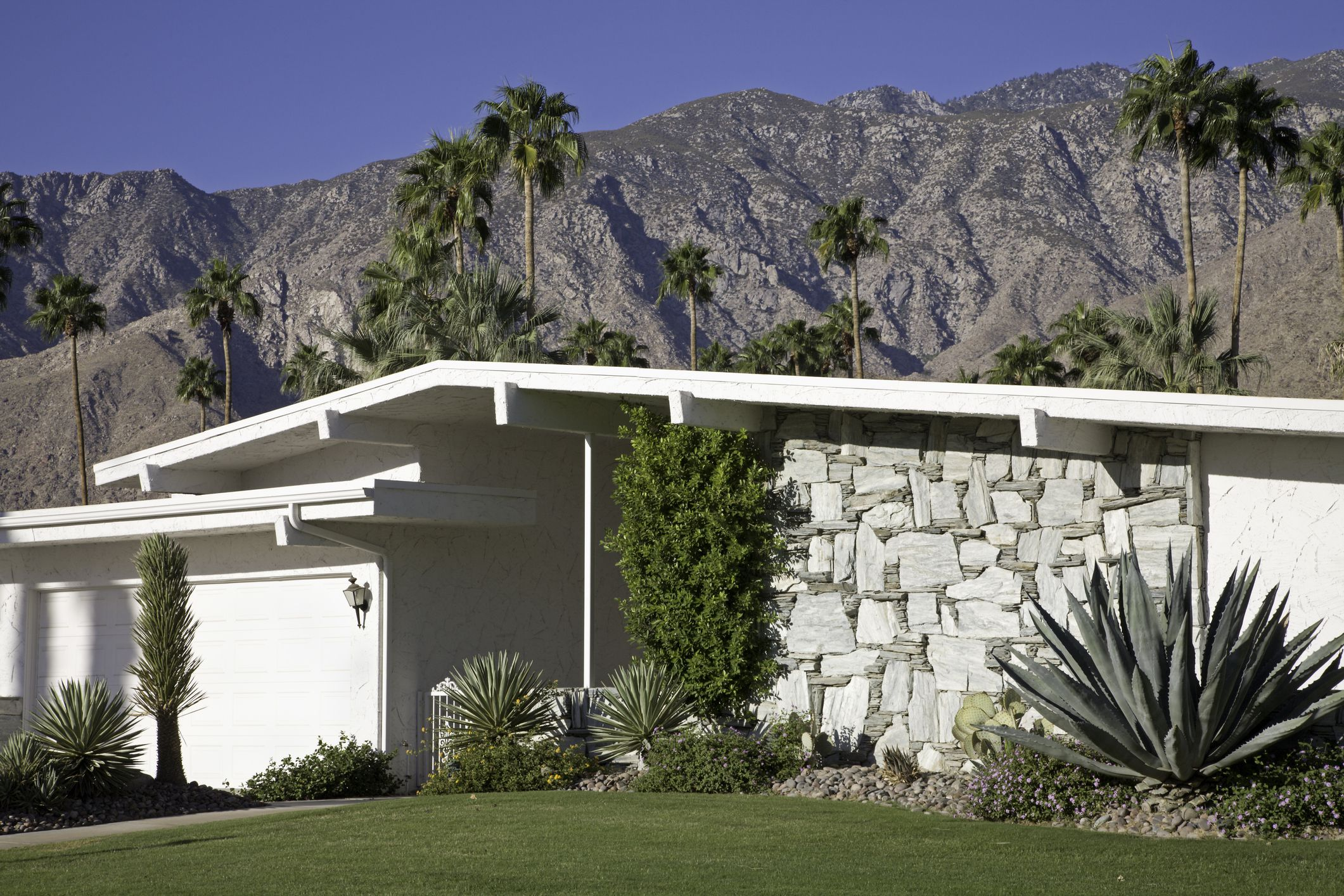 What Is Mid-Century Modern Architecture?