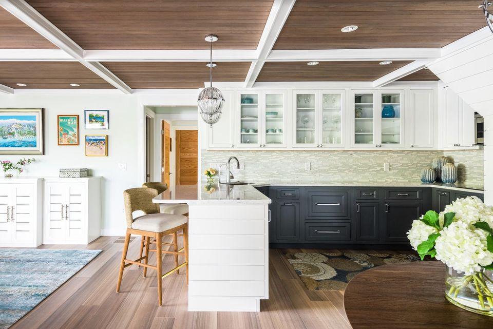 Cate Brown Maloney Interiors coastal design kitchen breakfast bar