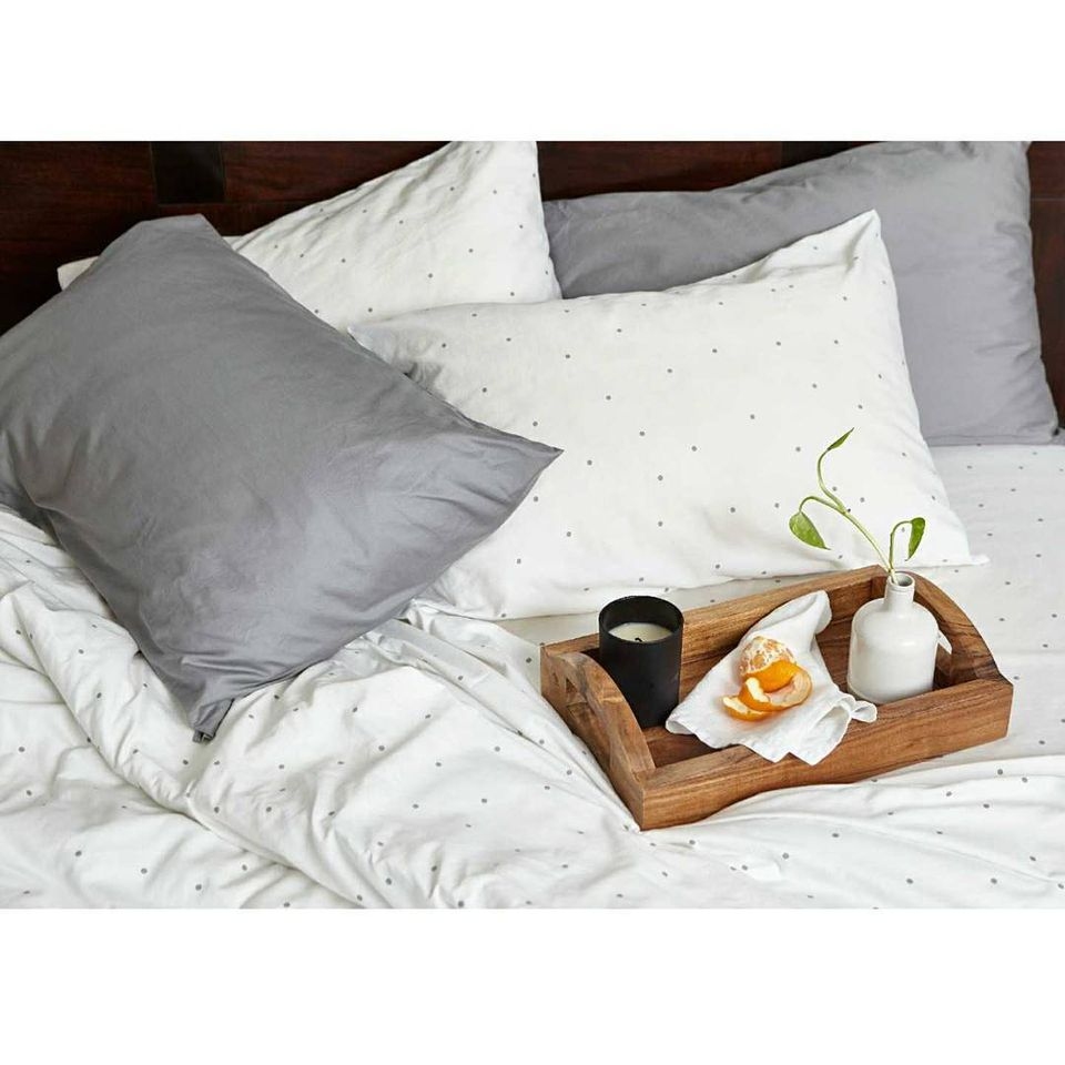 6 things to think about when buying a new bed set