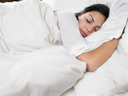 How to Choose a Duvet or Down Comforter for Your Bed