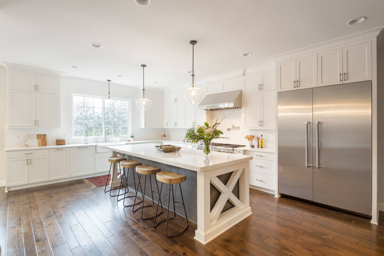 Portland-farm-house-kitchen