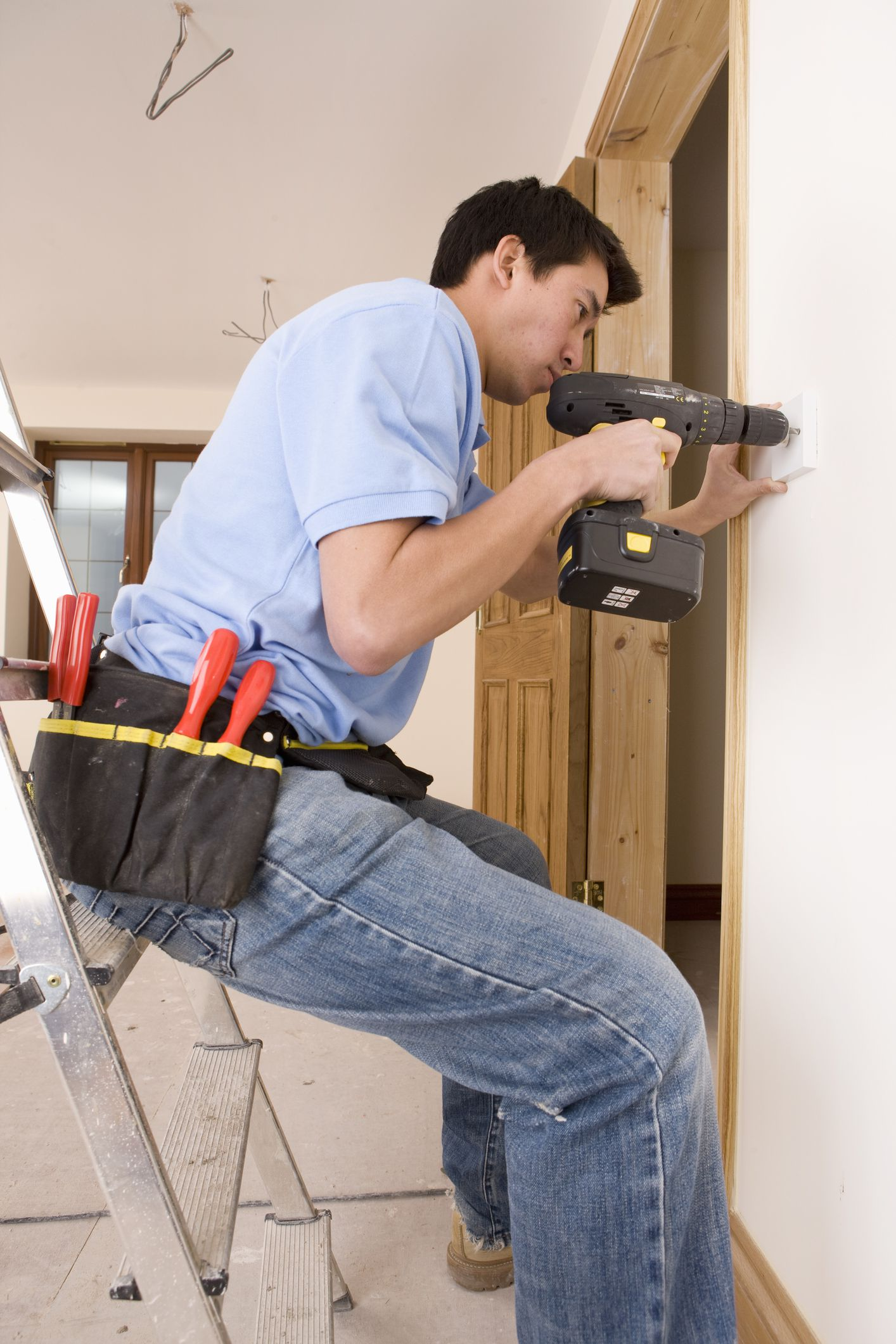 Ladder Safety For Electrical Work