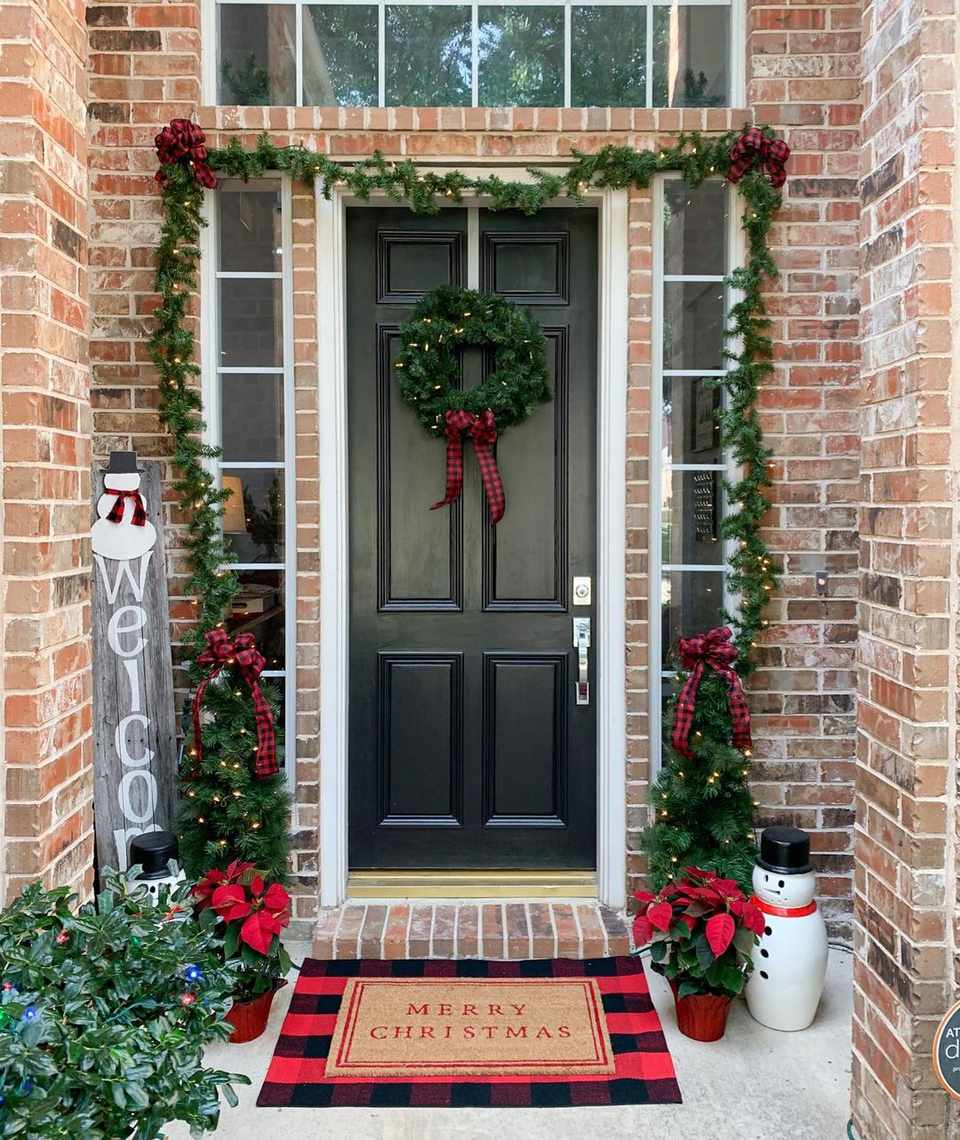 Door with garland