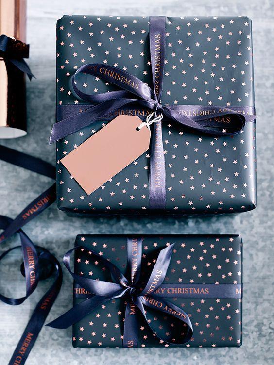 Modern polka dot gift wrapping