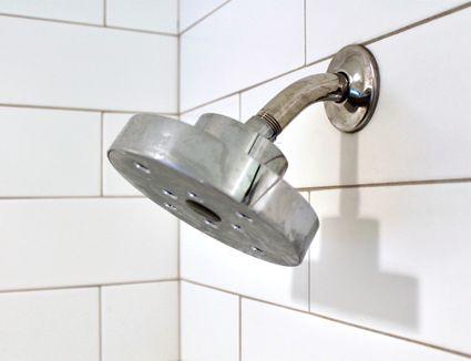 shower head with calcium buildup