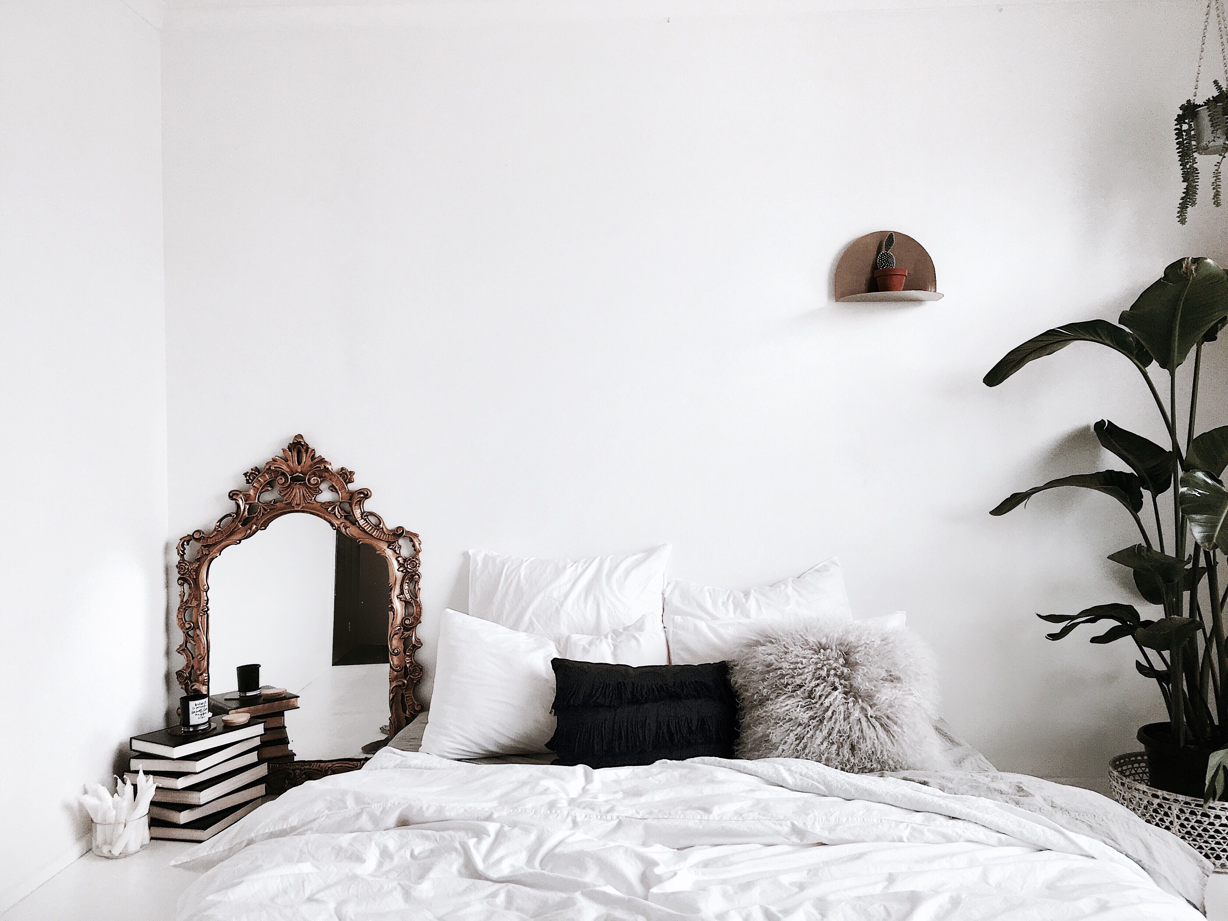 11 Best White Paint Colors for the Bedroom