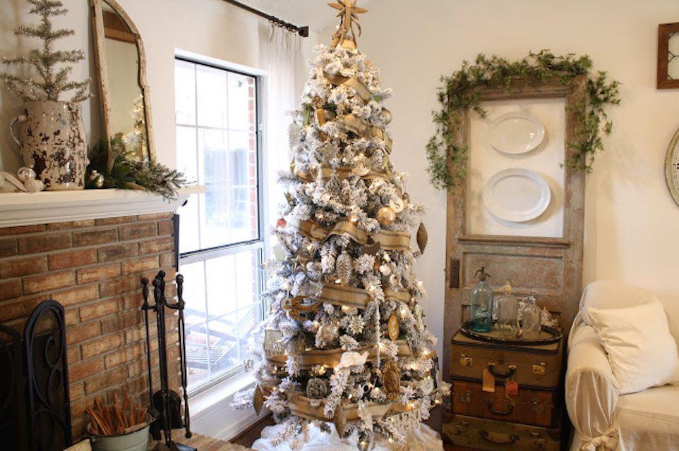 neutral wood christmas decor