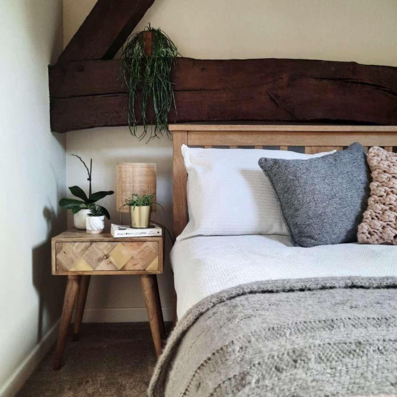 Laura Coles cabin decor