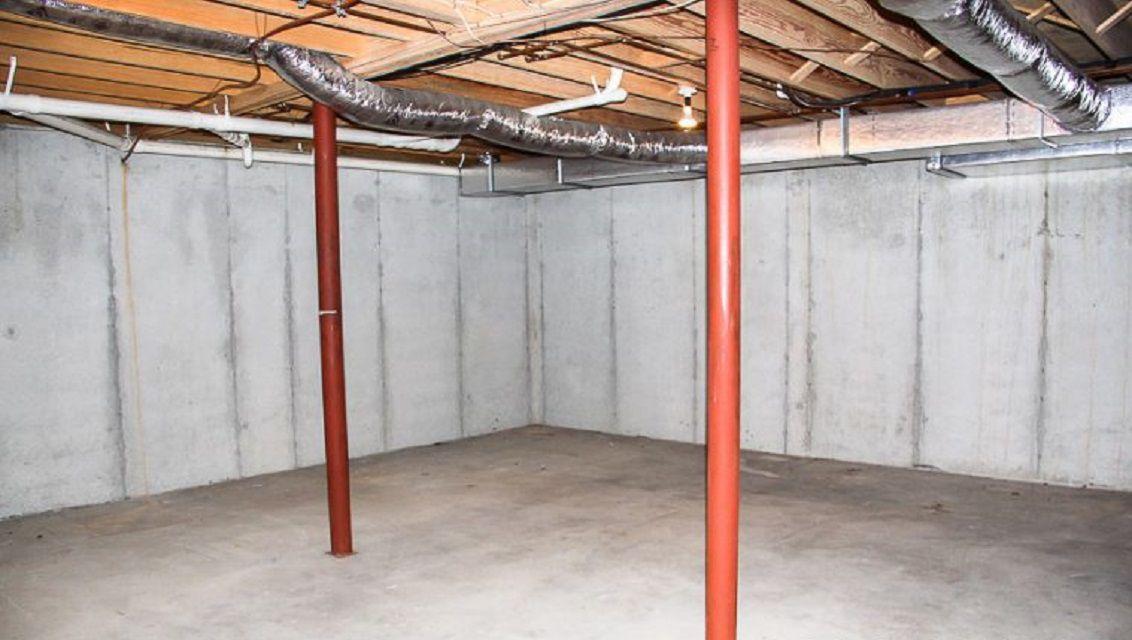 Antes - Cambio de imagen de la oficina de Mancave en el sótano