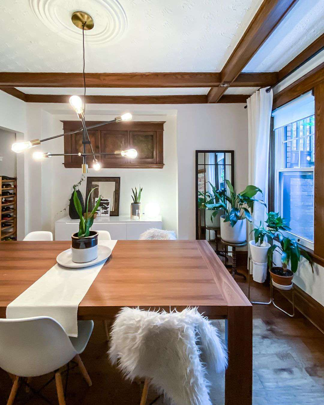 Dining room in a craftsman home