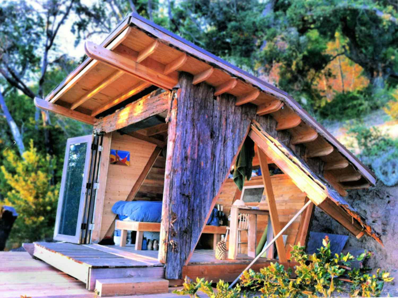 casa pequeña de halcón