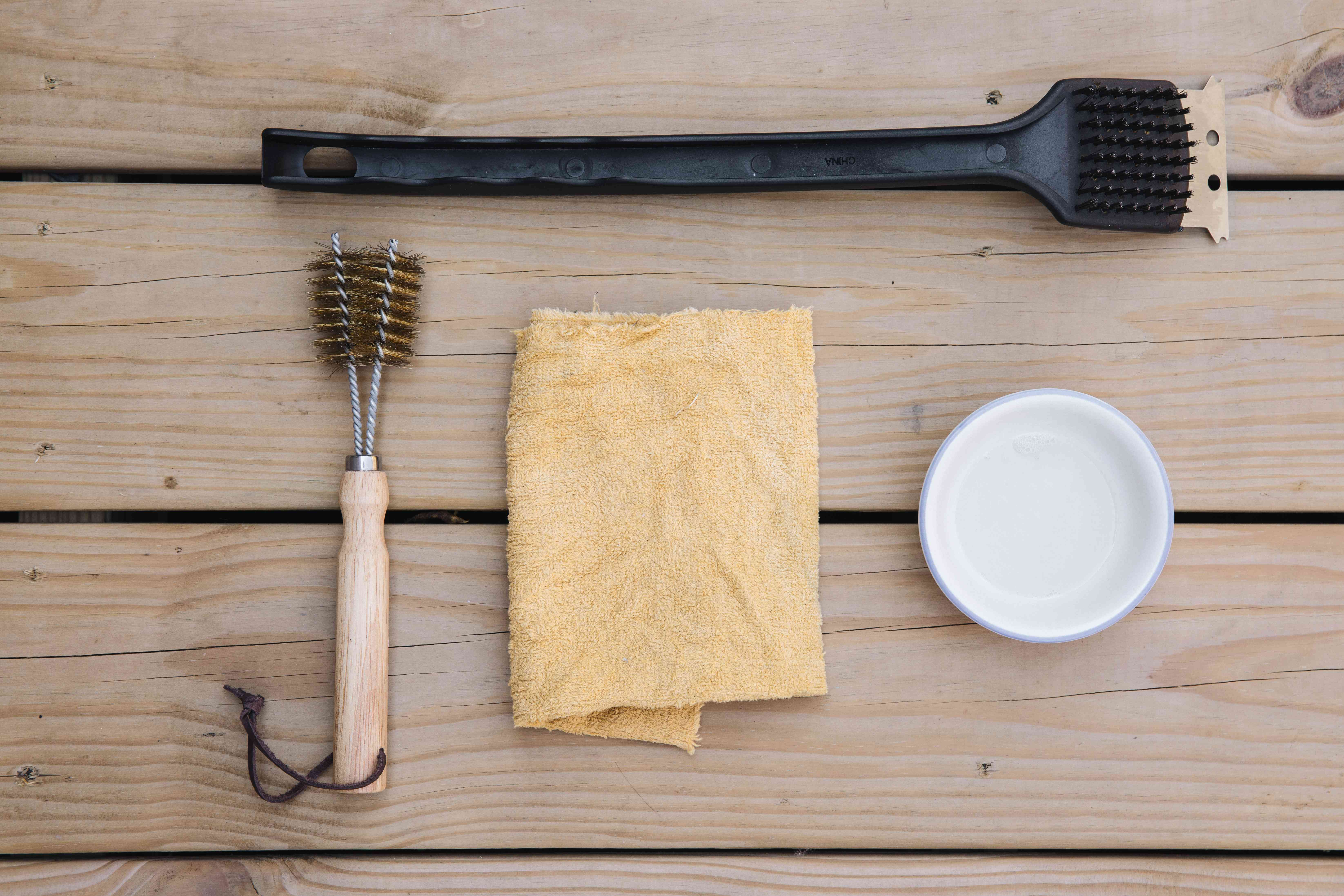 materials for cleaning a barbecue grill