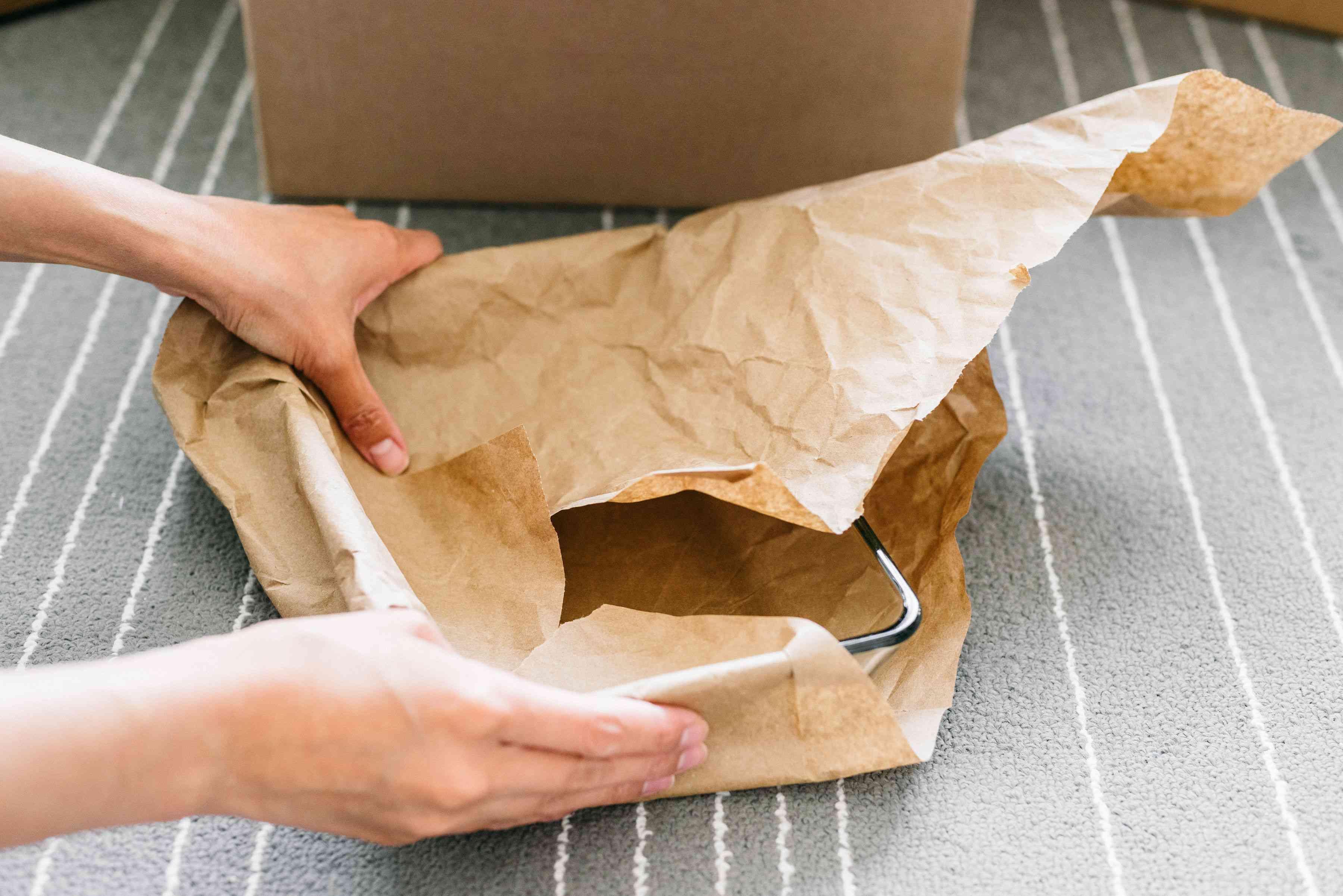 packing fragile glassware