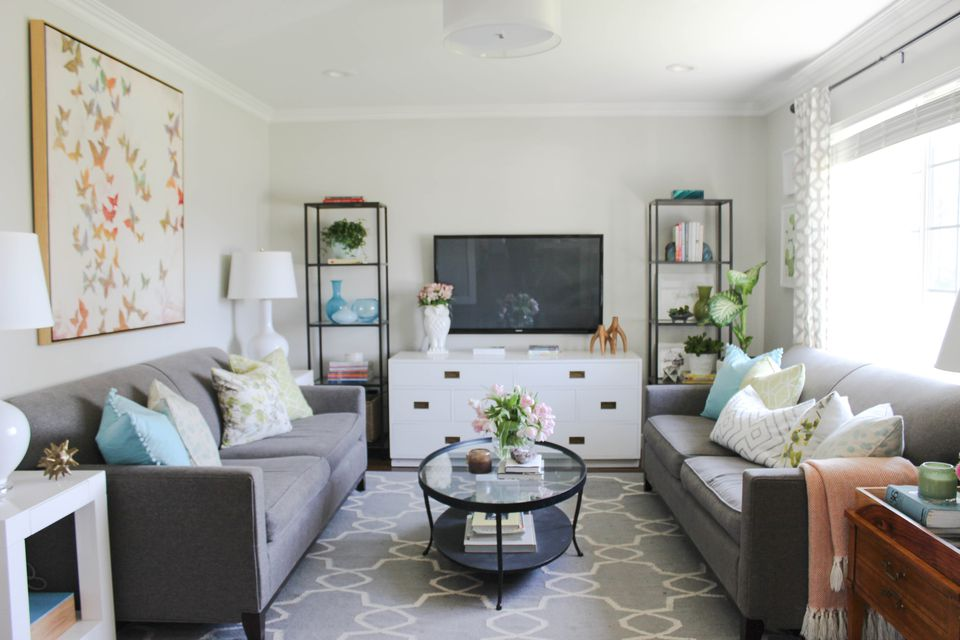 Bungalow Style Living Room Design