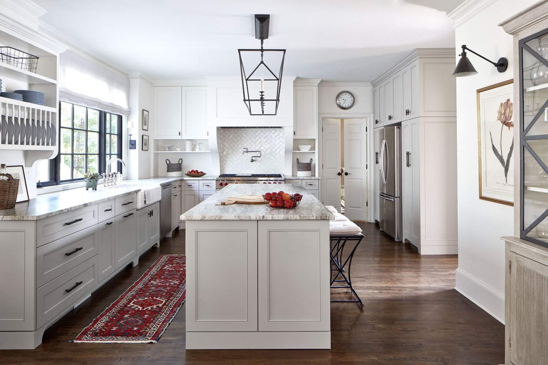 Granite countertops in shake style kitchen
