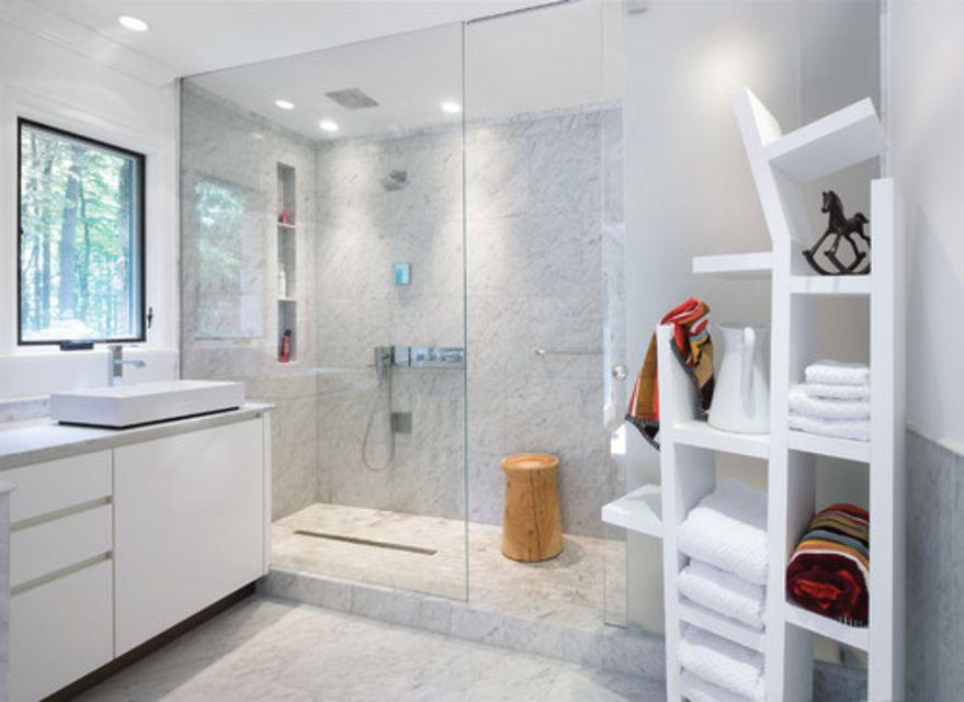 White Marble Bathroom | 16 Gorgeous White Marble Bathrooms
