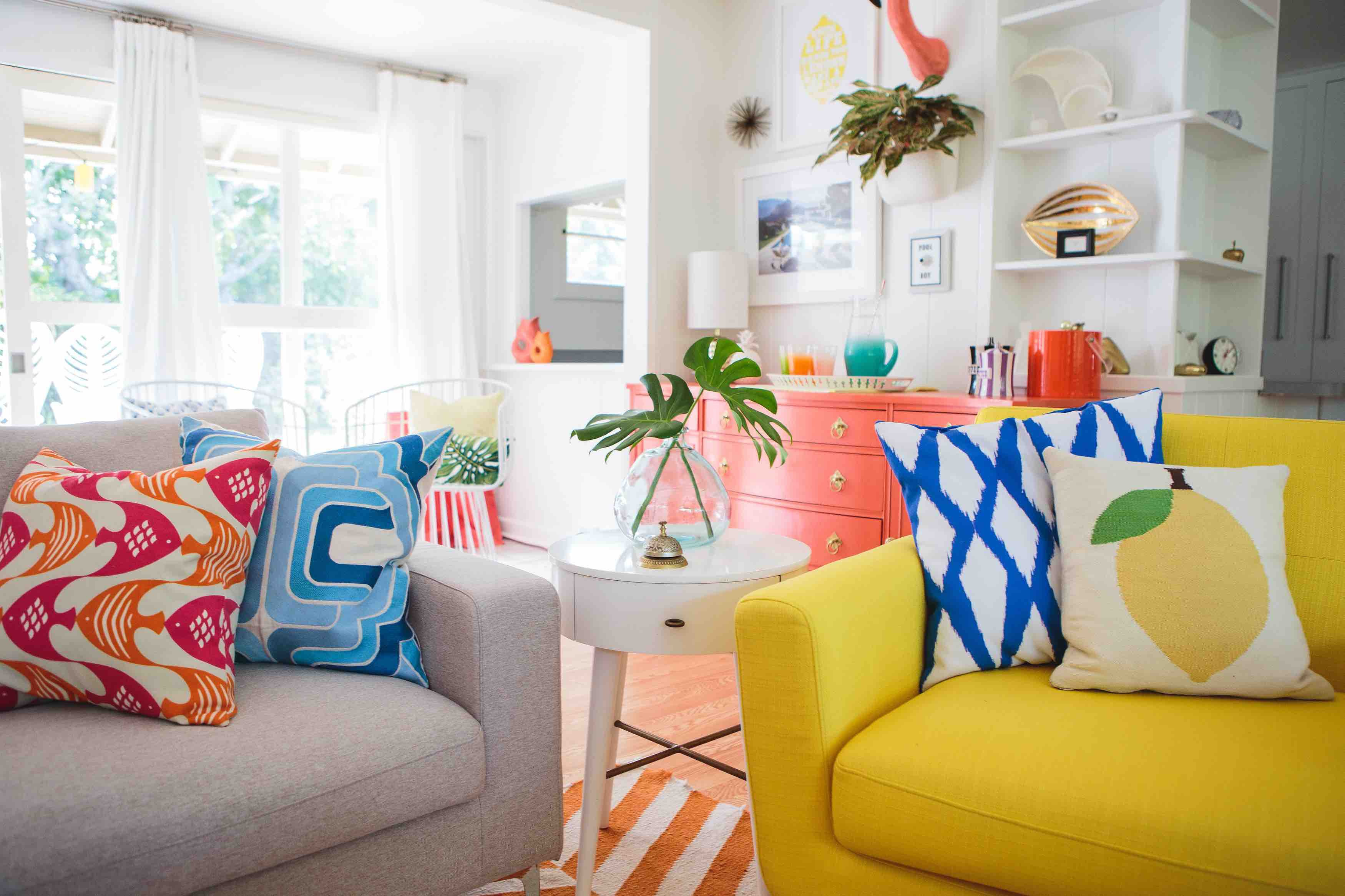 11 Ways to Add Retro Style to Your Decor
