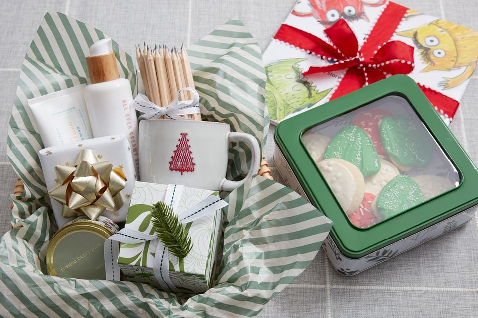 Holiday gifts for daycare teacher
