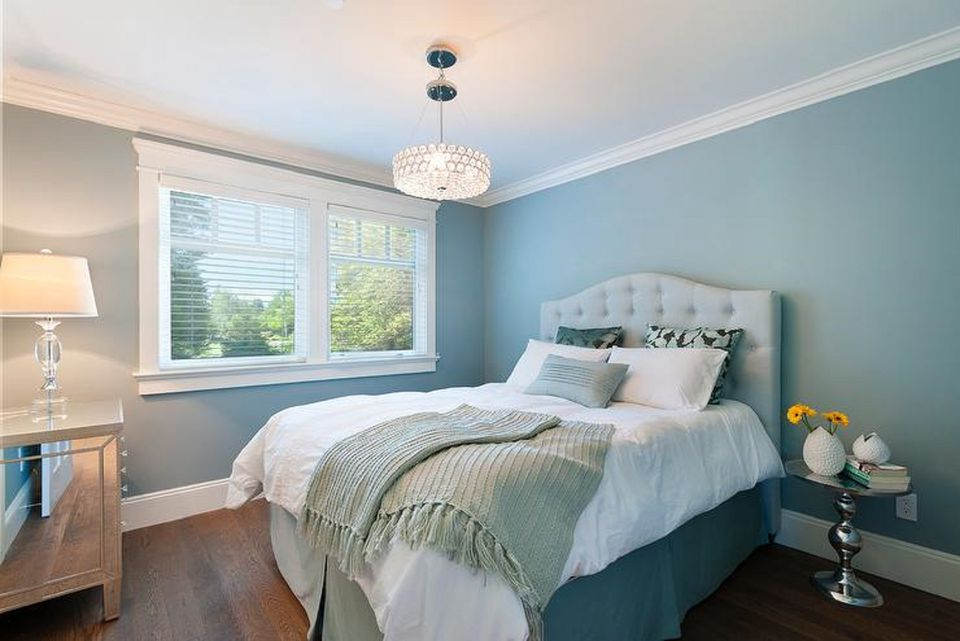 25 stunning blue bedroom ideas beautiful bedroom with blue walls mozeypictures Choice Image