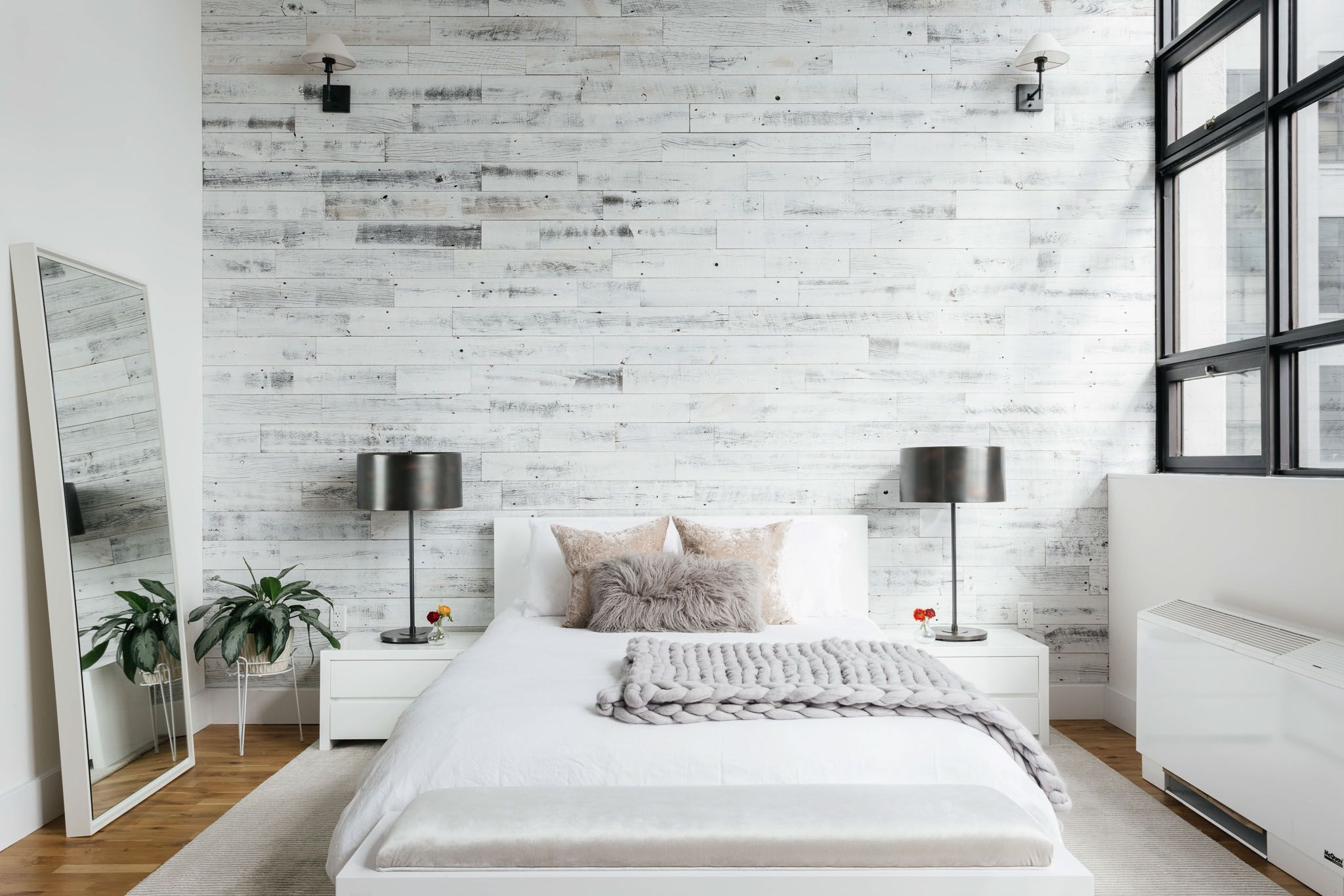 17 Modern Rustic Bedroom Decorating Ideas
