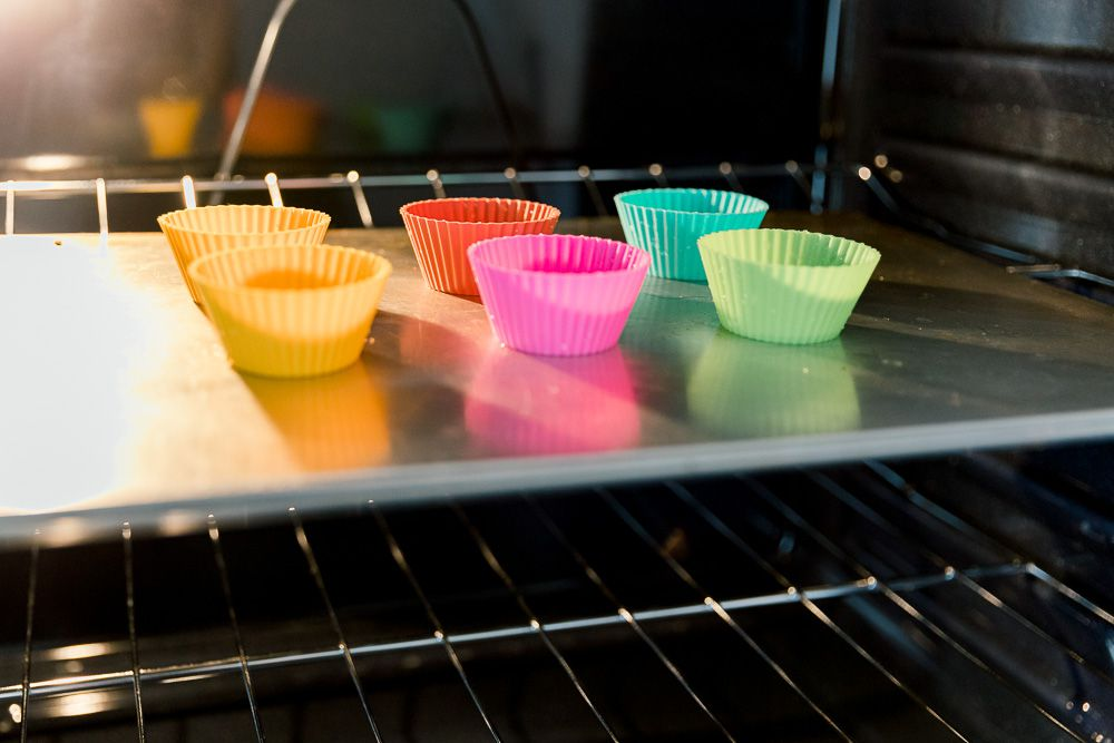 using oven heat to clean silicone